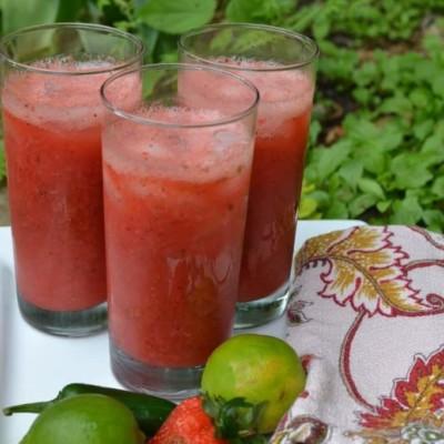 Strawberry Jalapeno Vodka Limeade