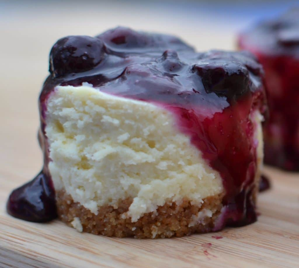 Blueberry Mini White Chocolate Cheesecakes (3)