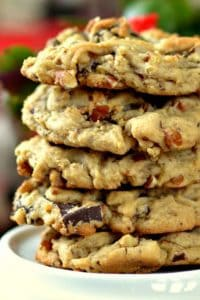 Homemade Chocolate Chip Cookies (The Best Chocolate Chunk Cookies)