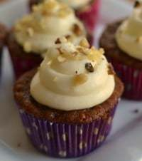 Carrot Cupcakes with White Chocolate Cream Cheese Frosting-001