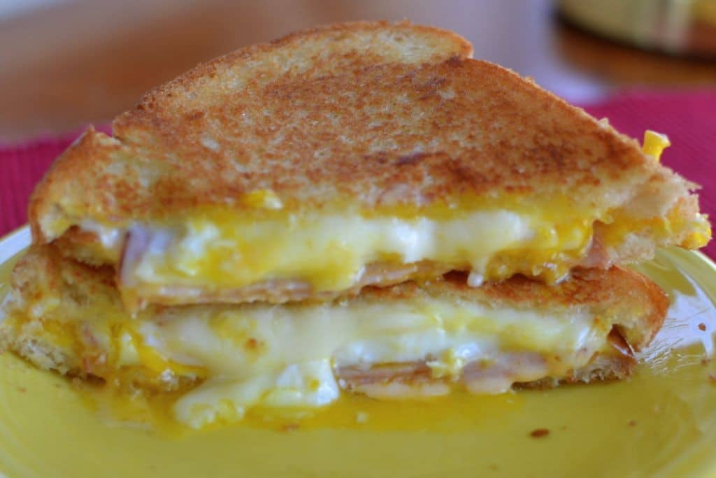 Easy Breakfast Grilled Cheese | Small Town Woman