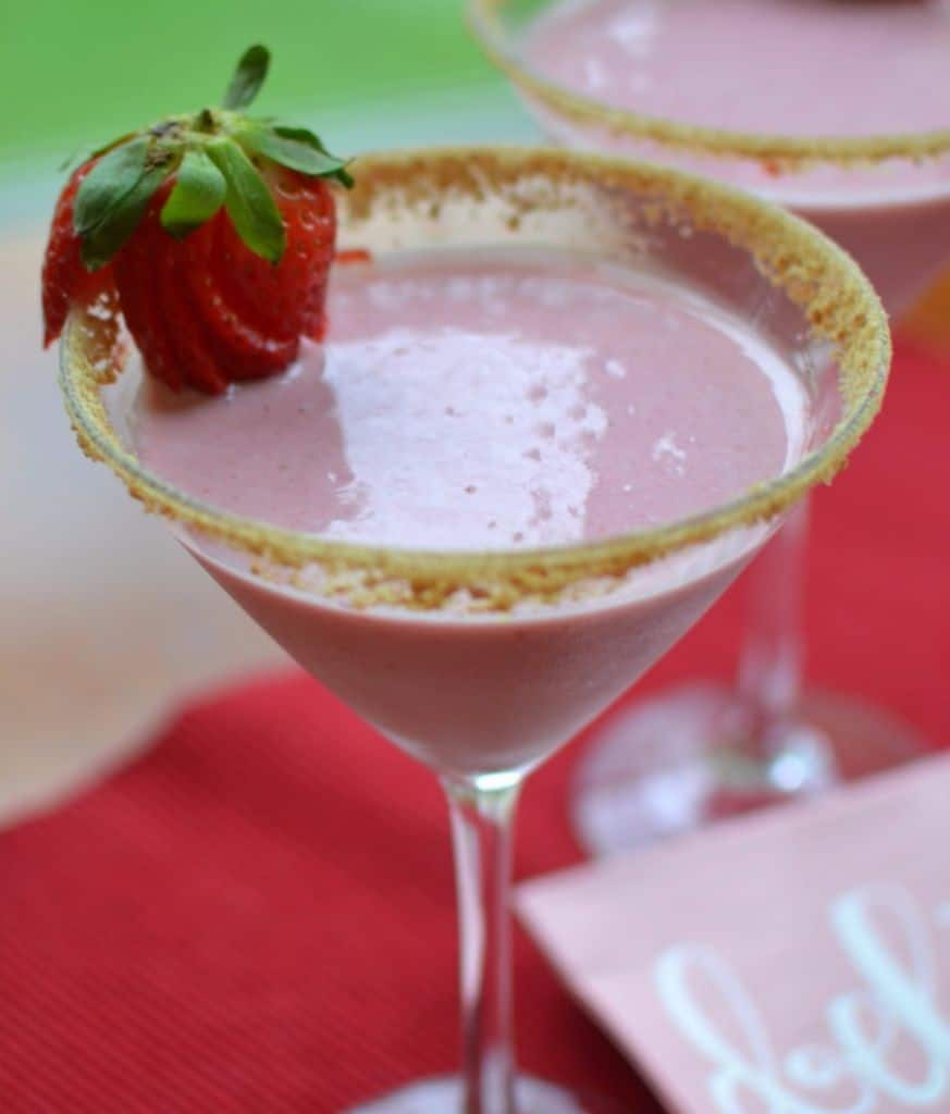 Strawberry Cheesecake Martini (4)