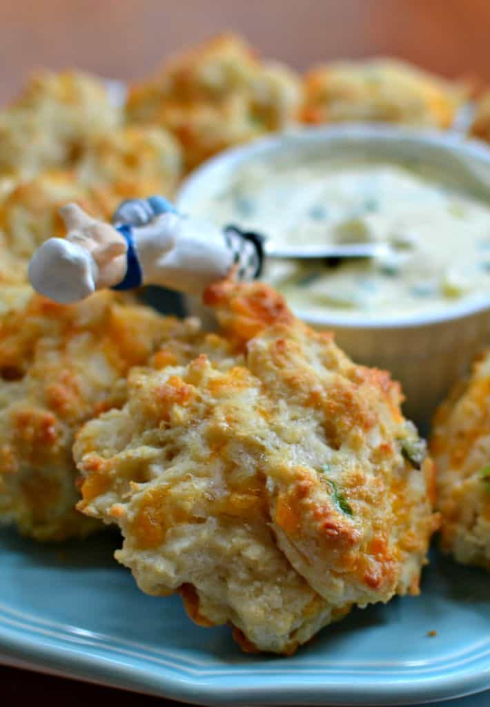 Easy and quick family friendly Cheddar Biscuits that taste better than Red Lobster's at a fraction of the cost.