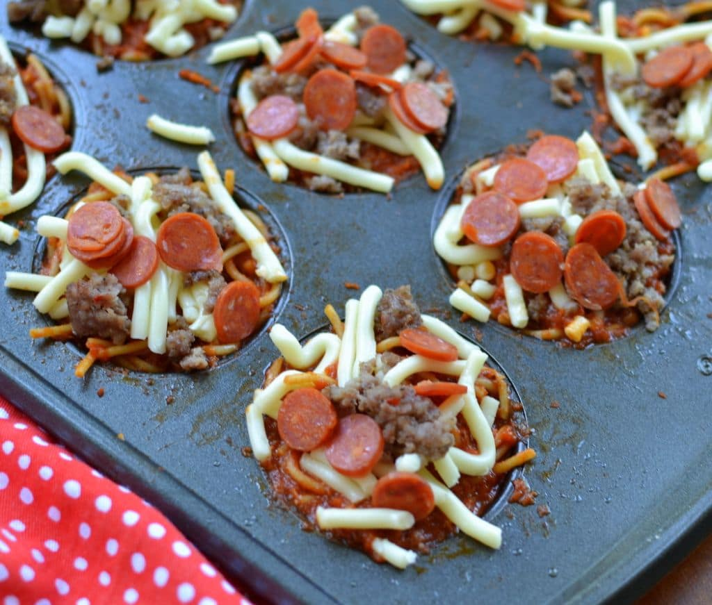 Baked Meaty Spaghetti Mini Pies (3)