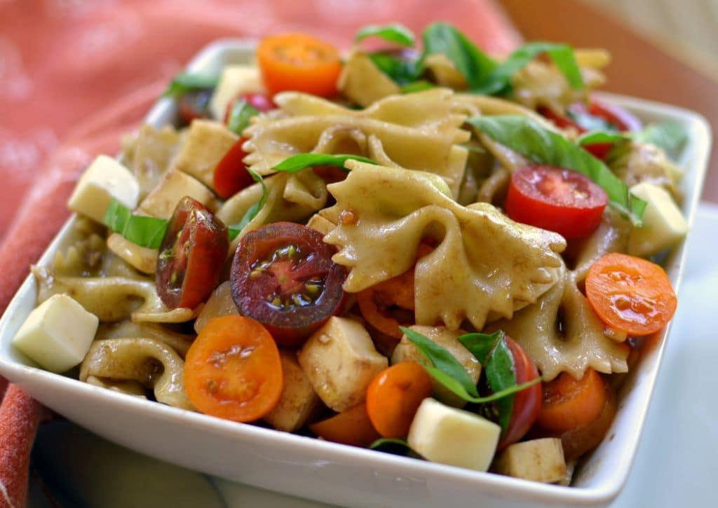 Caprese Pasta Salad (5)