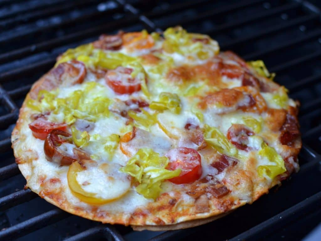 Grilled Peperoncini Bacon Tomato Flatbread (8)
