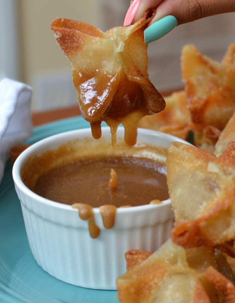 Apple Wontons with Caramel Dipping Sauce (5)
