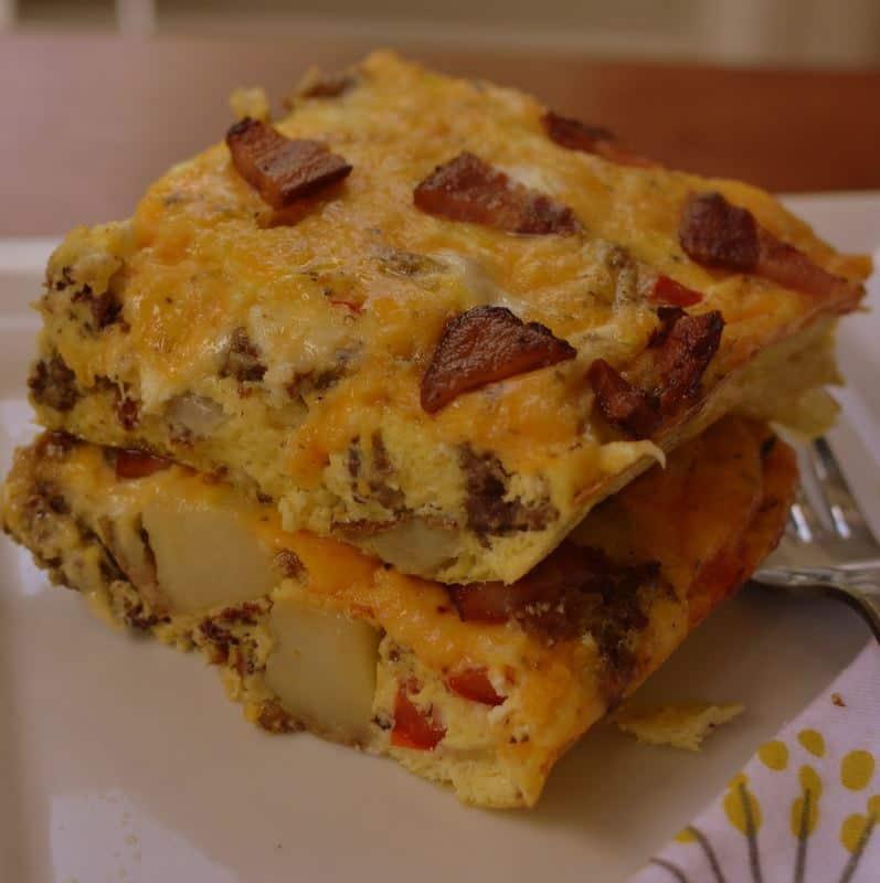 Cheesy Potato Bacon Sausage Egg Casserole (7)