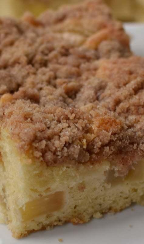 Apple Pear Crumb Cake