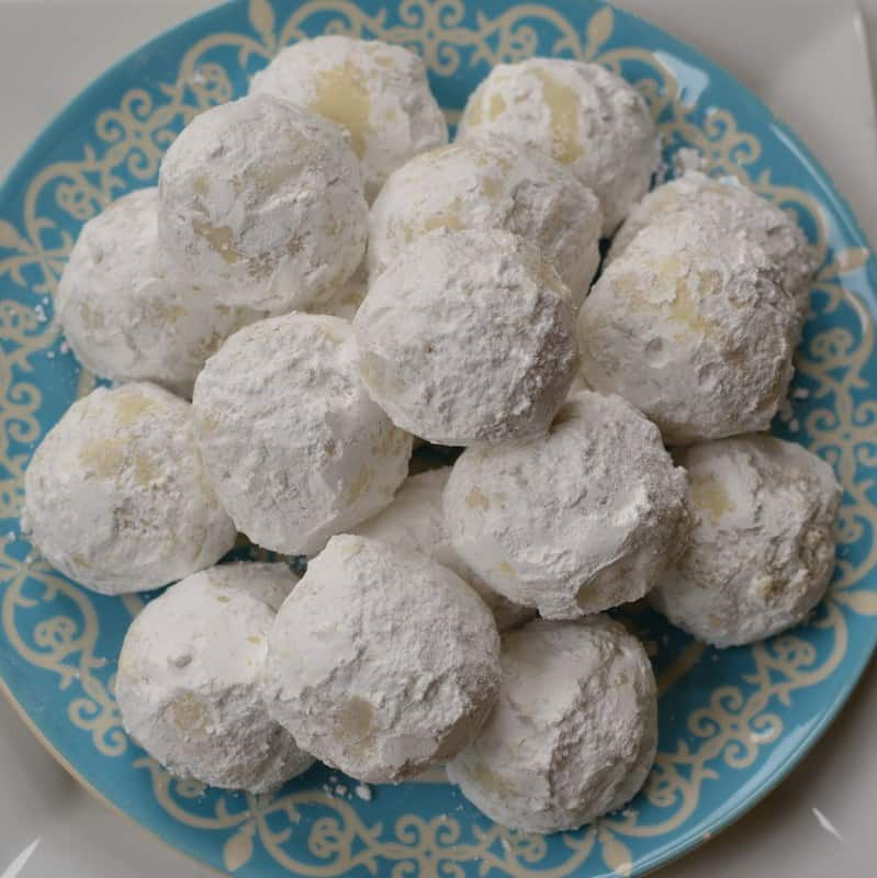 Buttery Pecan Snowball Cookies | Small Town Woman