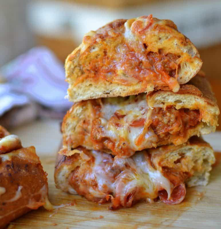 cheesy-sausage-pizza-stuffed-rolls-9