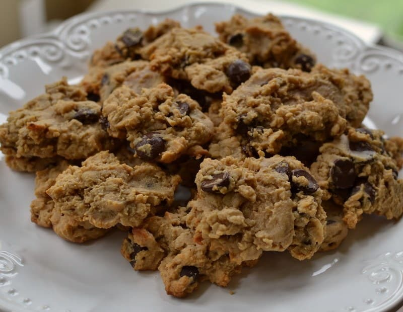 peanut-butter-oatmeal-chocolate-chip-cookies-7