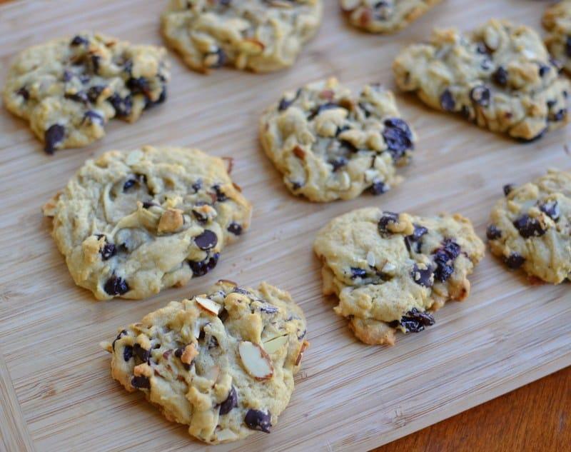 dark-chocolate-cherry-almond-cookies-2