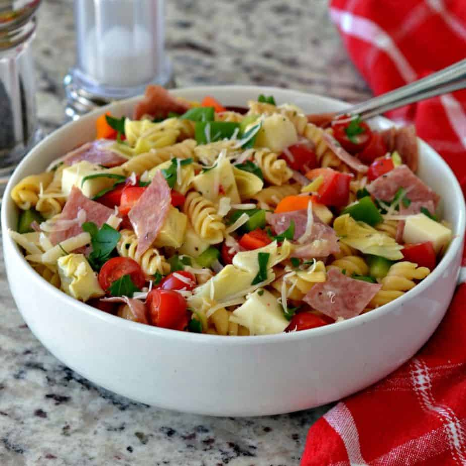 Easy Pasta Salad with Italian Dressing