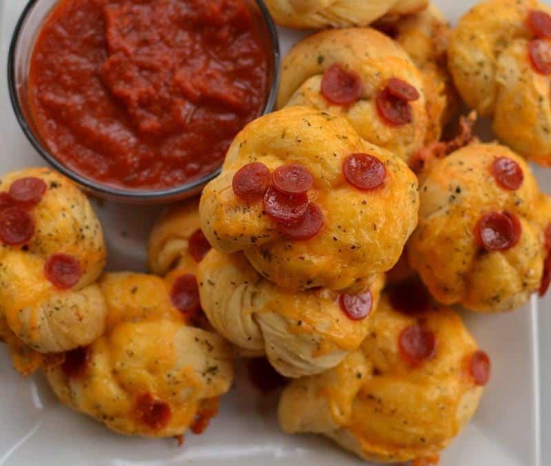 easy-pepperoni-cheddar-garlic-knots-14