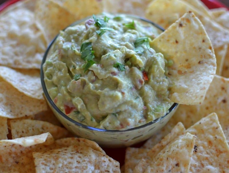 better-than-restaurant-style-creamy-guacamole-5