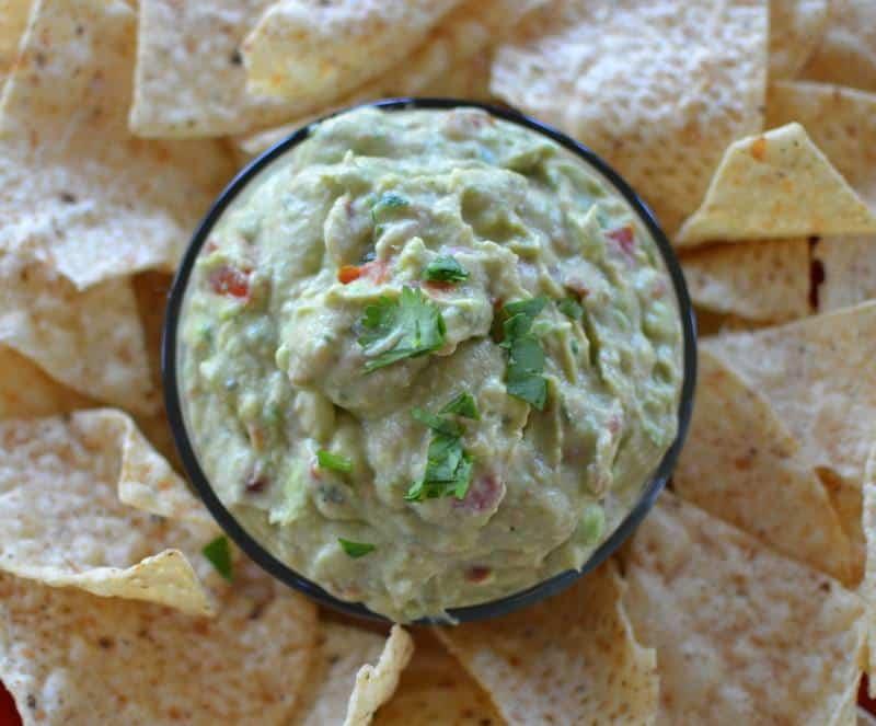 better-than-restaurant-style-creamy-guacamole-8