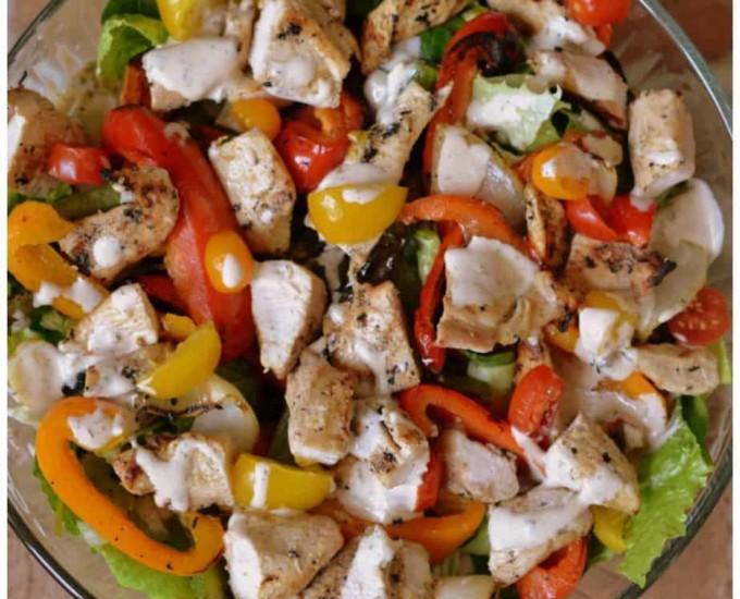 Chicken Fajita Salad with Chipotle Ranch