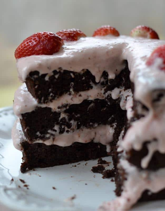 Where Can I Buy Strawberry Cake With Cream Cheese Frosting