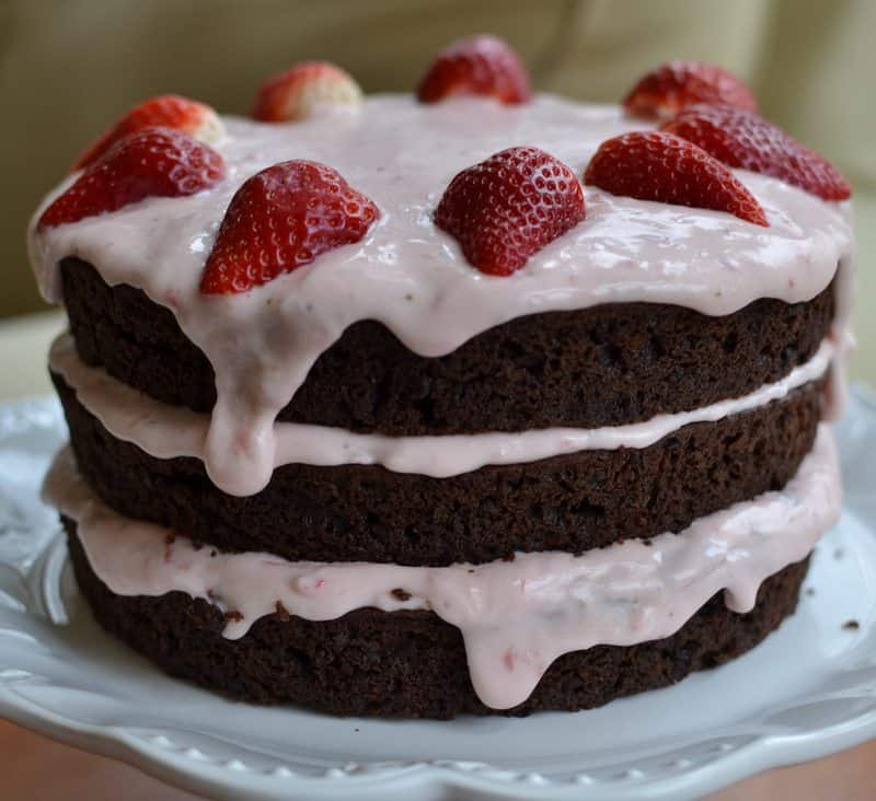 chocolate-strawberry-cream-cake-2