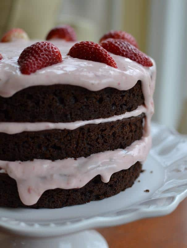 chocolate-strawberry-cream-cake-5