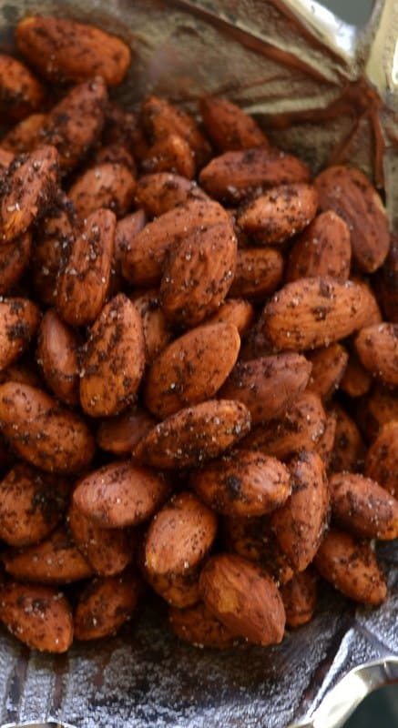 Smoky Spicy Roasted Almonds | Small Town Woman