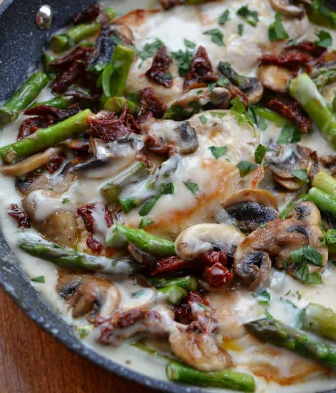 You Can Serve Over A Bed Of Angel Hair Pasta Or White Rice Easy Creamy Chicken Mushroom Asparagus Skillet Pairs Wonderfully With Dry Crisp Wine