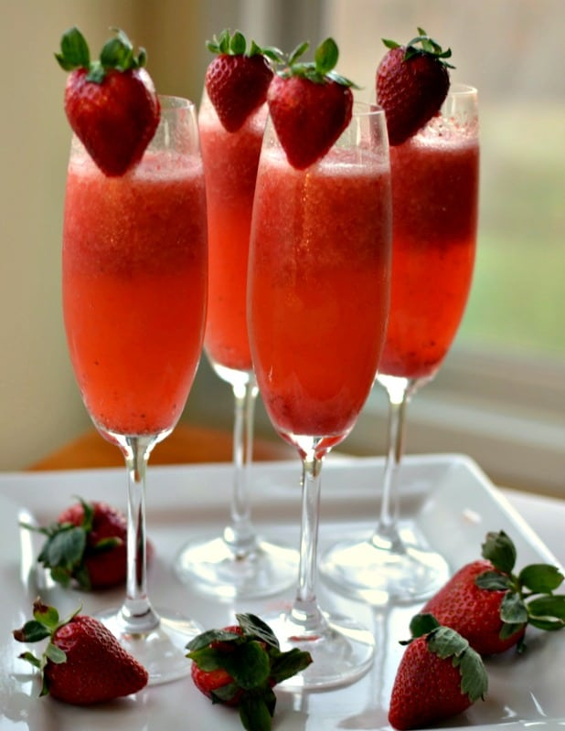 How to Make a Strawberry Mimosa