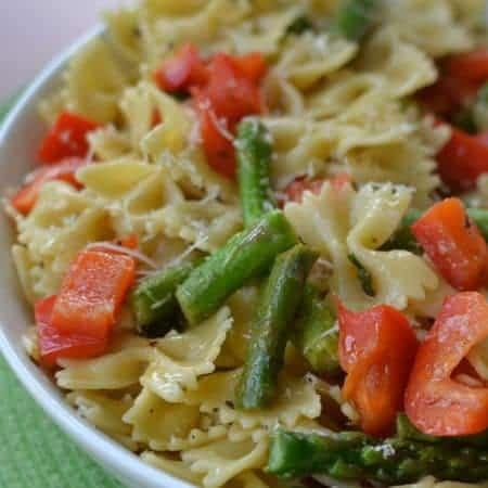 Red Pepper Asparagus Pasta with Lemon Vinaigrette