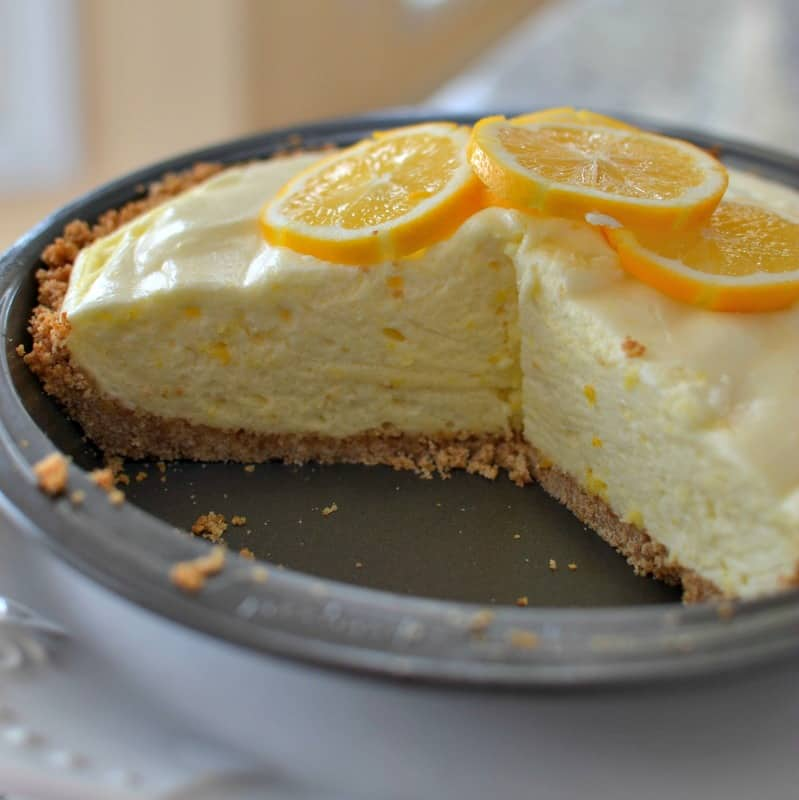 Old Fashioned Lemon Chiffon Pie