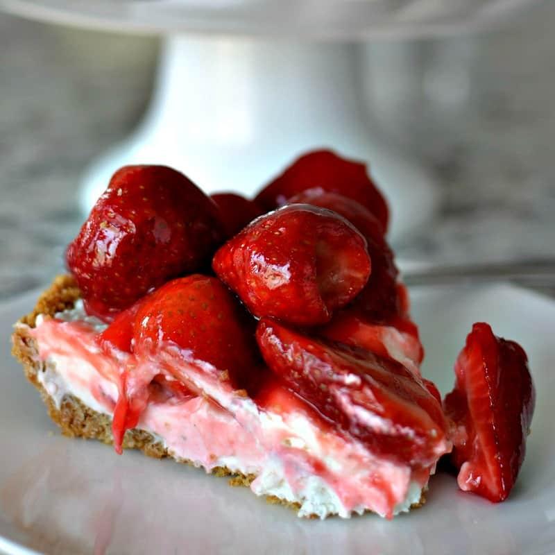 No Bake Strawberry Cream Cheese Pie