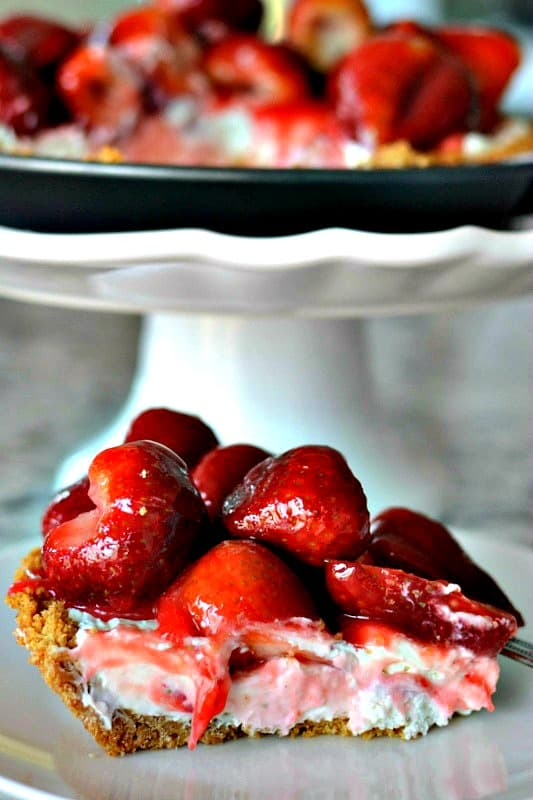 Strawberry Cream Cheese Pie No Bake