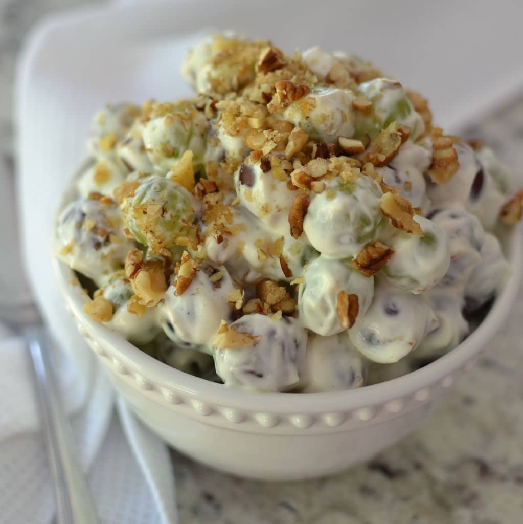Tasty and Easy Crunchy Grape Salad