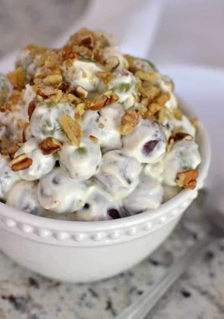 Scrumptious Crunchy Grape Salad