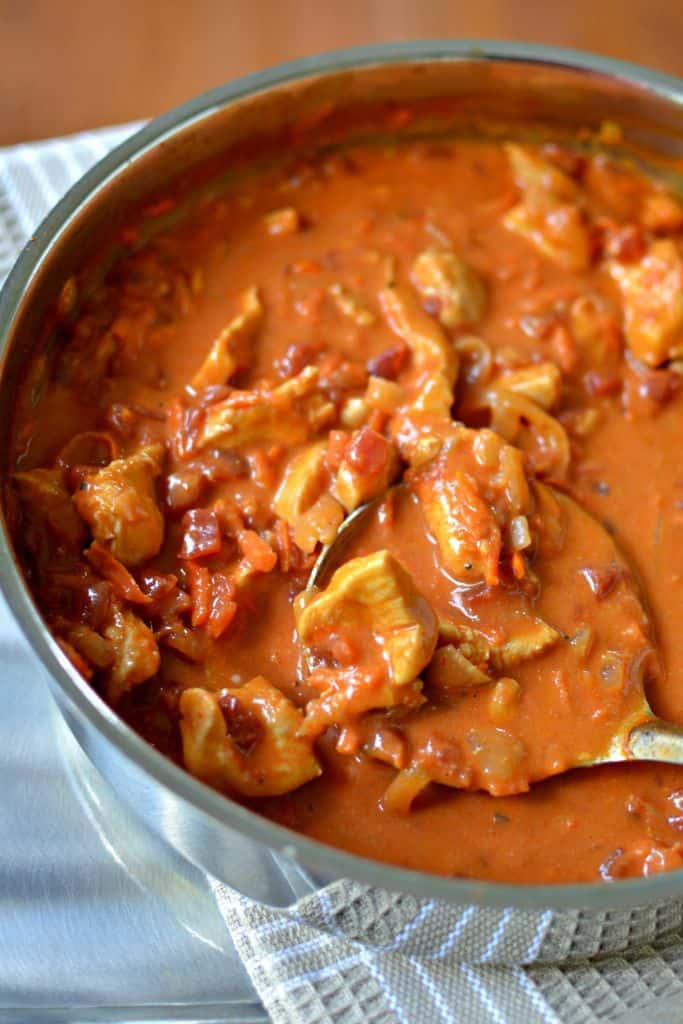 Delicious and Easy Chicken Curry with Coconut Milk