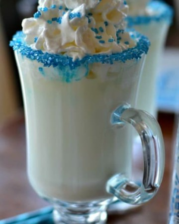 White Hot Chocolate (The Perfect Sweet Treat for Those Chilly Days)