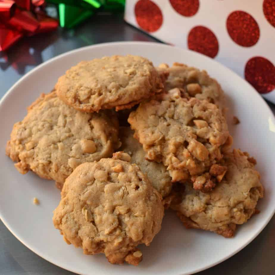 Oatmeal Peanut Butter Cookies | Small Town Woman