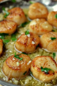 Garlic Lemon Butter Seared Scallops