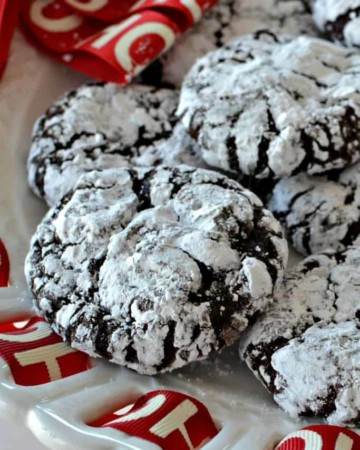Gooey Chocolate Crinkle Cookies