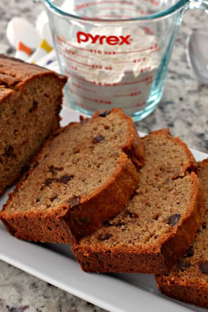 Bring your favorite banana bread recipe up a notch with this delicious peanut butter banana bread!