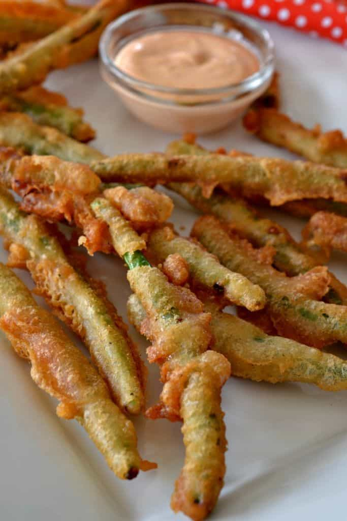 These Crispy Fried Green Beans with Sriracha Mayo are a cinch to whip up making them perfect for game day and movie night.
