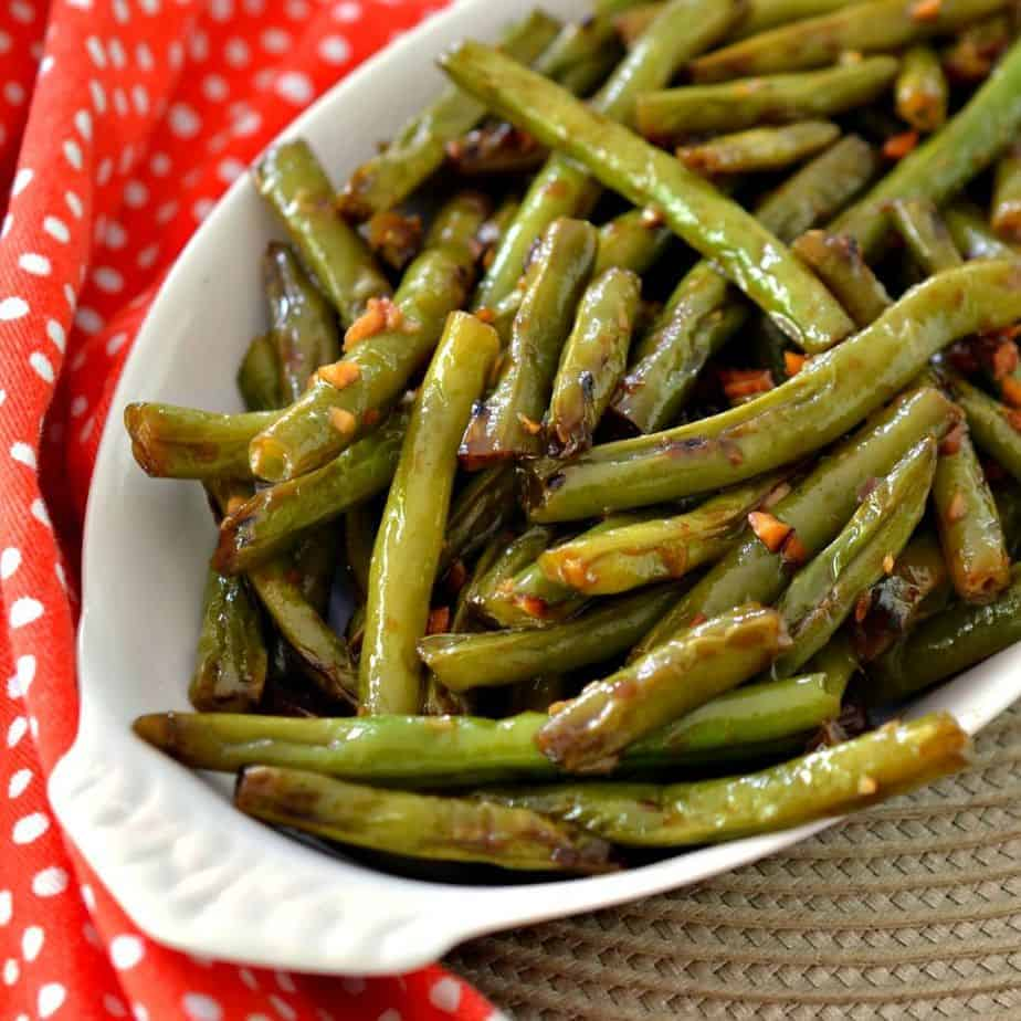These delicious green beans are sautéed with aromatic ginger and garlic