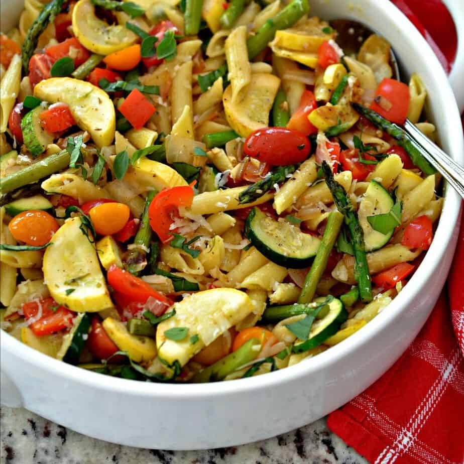 Easy Pasta Primavera is packed with delicious, nutritious vegetables and tender penne pasta