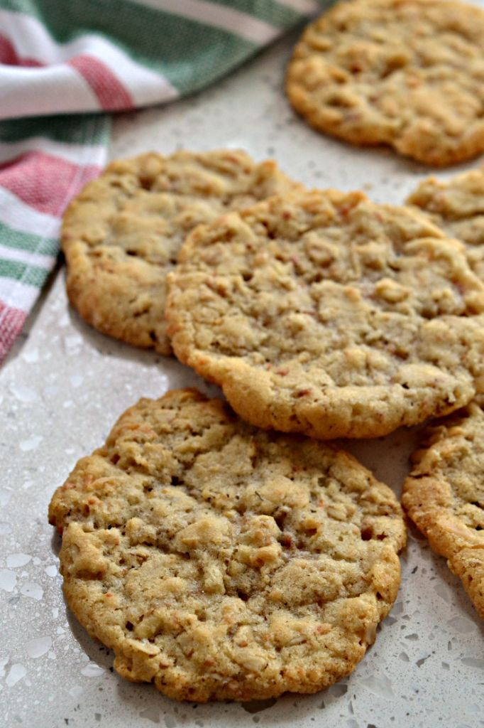 Anzac Biscuits are perfect milk and coffee dunking cookies and one of my all time favorites.
