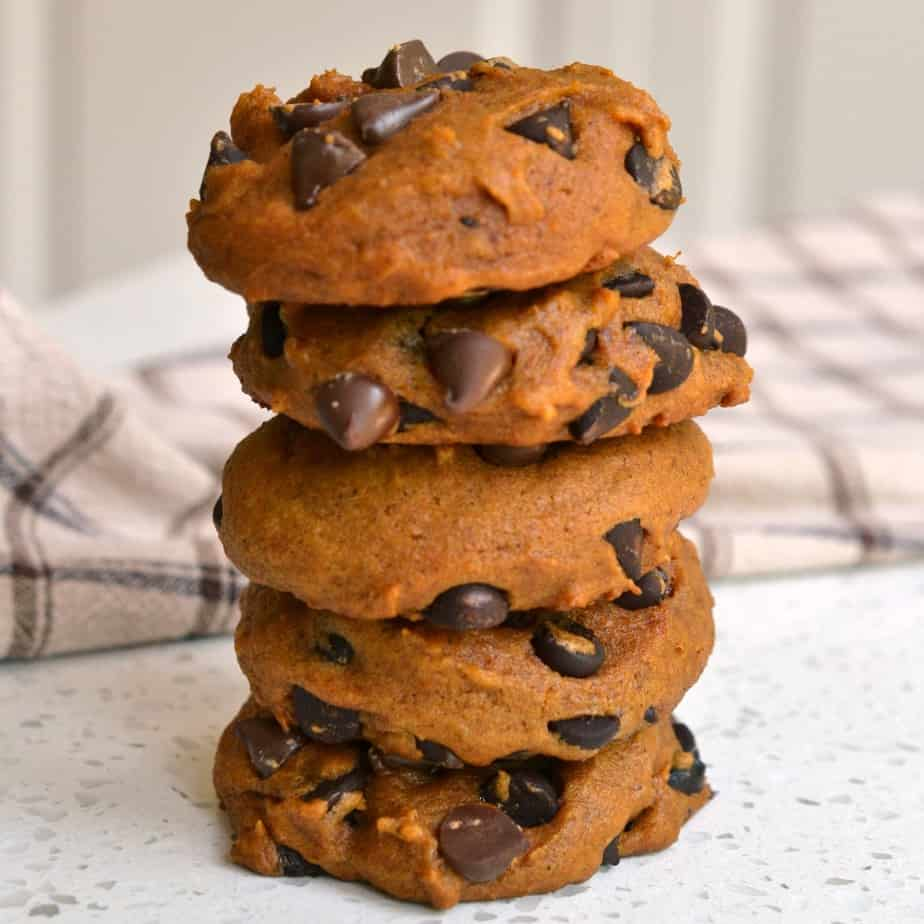 The combination of pumpkin and chocolate in these Pumpkin Chocolate Chips Cookies is pure heaven.
