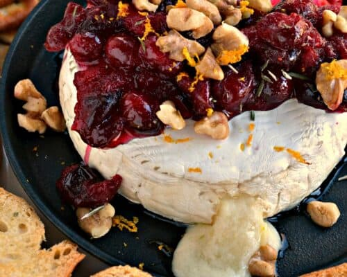 Baked Brie with Cranberries and Walnuts