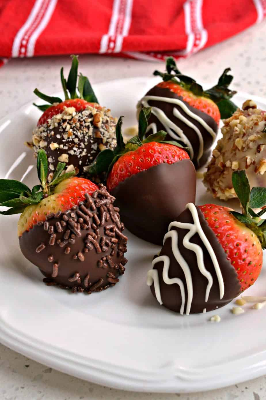 With just a few helpful hints anyone can make this easy Chocolate Covered Strawberry recipe.