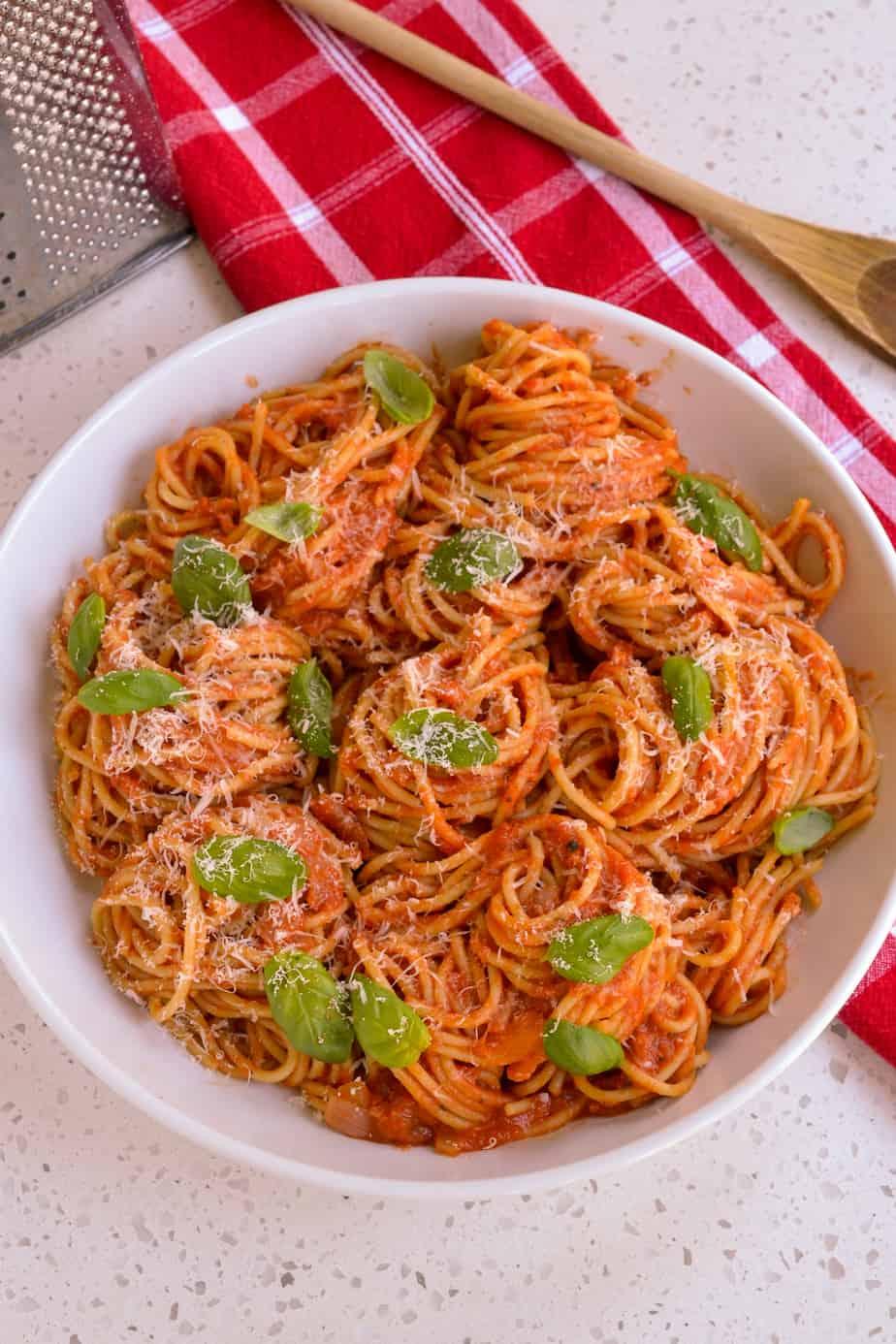 A bowl full of Pasta Pomodoro