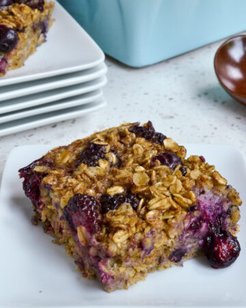 Baked oatmeal with blueberries and blackberries