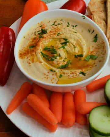 Homemade Garlic Hummus
